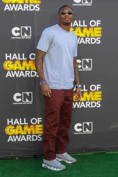 Jacoby-Jones-cartoon-network-hall-of-game-awards-Air-Jordan-IX-sneakers