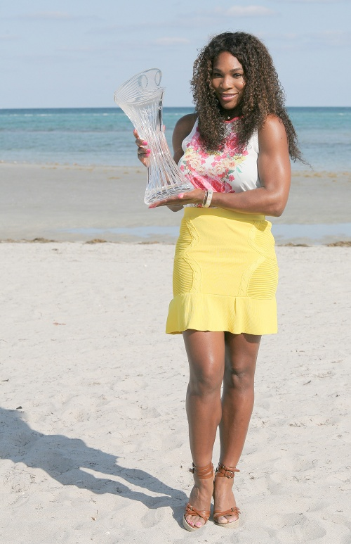 serena-williams-2013-sony-open-victory-yellow-skirt-floral-print-top-outfit-2