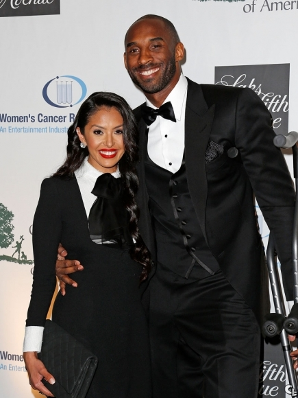 kobe-bryant-EIF-Women'-Cancer-Research-Fund'raiser-fashion-1