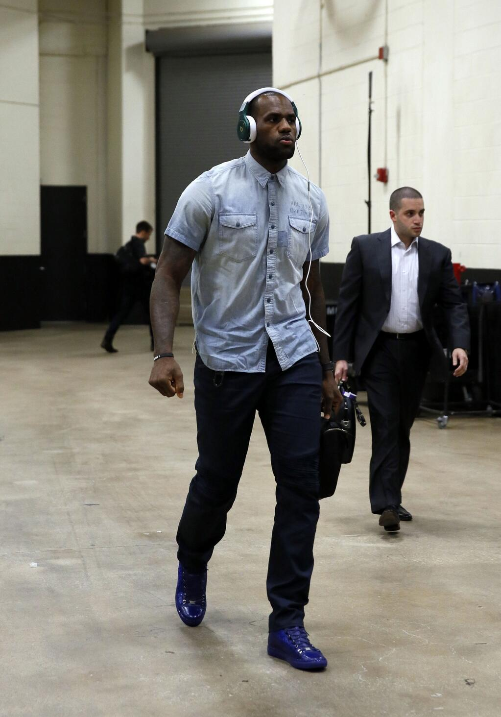 lebron-james-2013-nba-finals-game-3-blue-sneakers-fashion