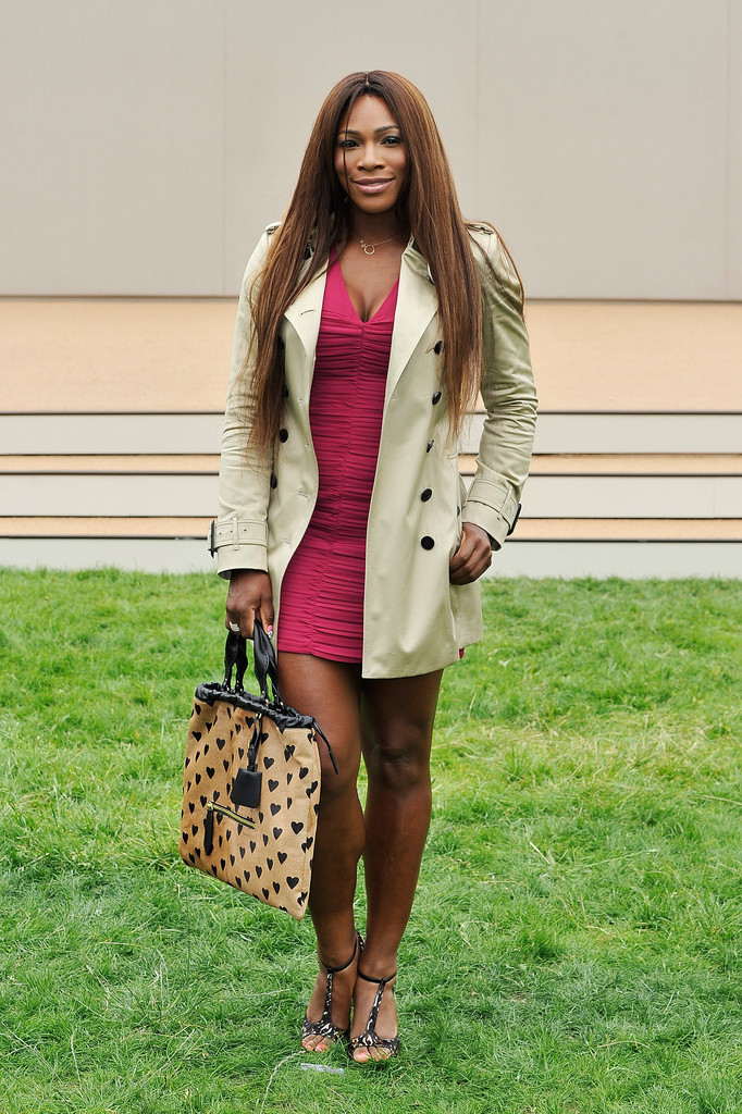 serena-williams-burberry-prorsum-spring-2014-menswear-show-london-burberry-london-sweetheart-neckline-ruched-sheath-dress-hearts-printed-ponyskin-bag-animal-print-calfskin-sandals-1