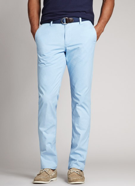 Seven Ways To Look Good In Chinos. The secrets to wearing and pairing the most versatile fabric. Marc Richardson. These mid-blue chinos are the colour of jeans and, as a result, demonstrate all the ways that the two styles of trousers differ. This outfit exemplifies the reasons that.