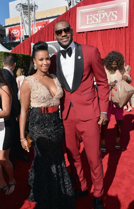 lebron-james-waraire-boswell-red-suit-2013-espys-espy-red-carpet-fashion-style