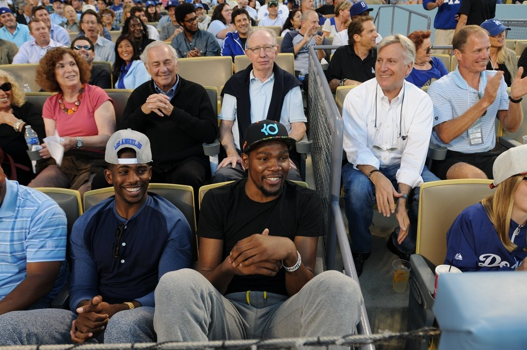 chris-paul-dodgers-game-jack-spade-shades-of-grey-jordan-1-sneakers-instagram-2