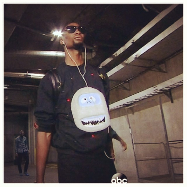 Chris-Bosh-sweater-NBA-Christmas-game-outfit