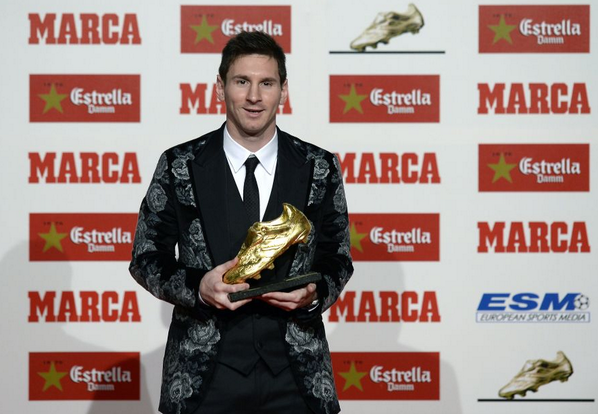 Lionel-Messi-Golden-Boot-Dolce-Gabbana-floral-tapestry-blazer-3