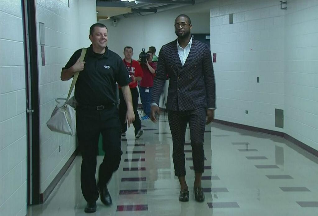 dwyane-wade-2013-nba-playoffs-fashion-game-4-round-2-cropped-suit-2