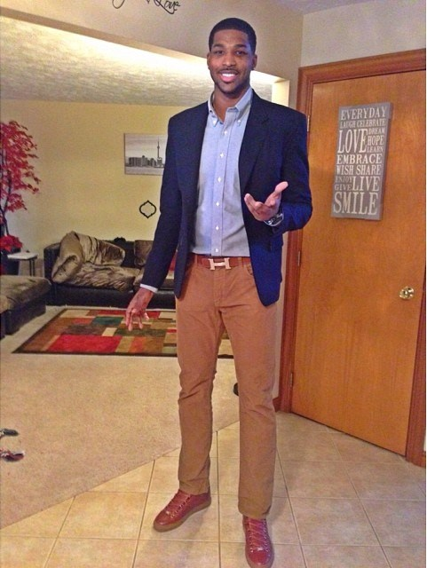 Tristan-Thompson-wears-Hermes-Belt-and-Balenciaga-Sneakers