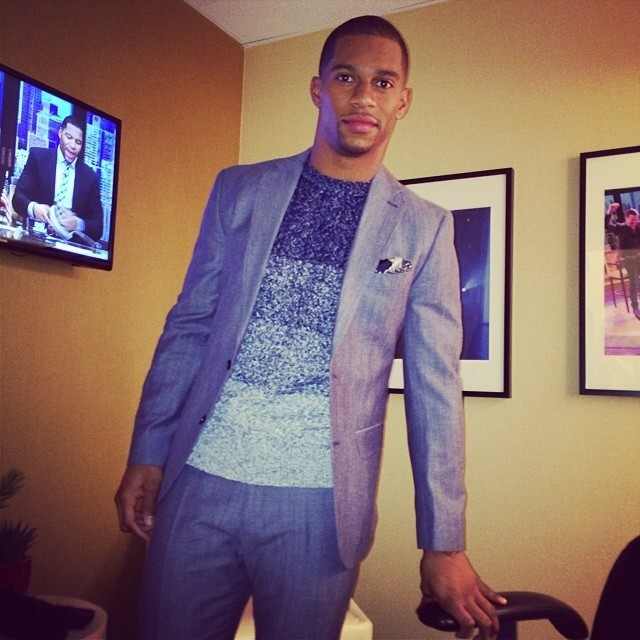 Victor-Cruz-visits-Live-With-Kelly-and-michael-wearing-Tommy-Hilfiger