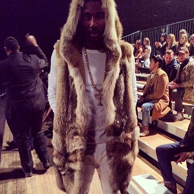Amare-Stoudemire-Fur-coat-En-noir-New-York-Fashion-Week-FW-2014