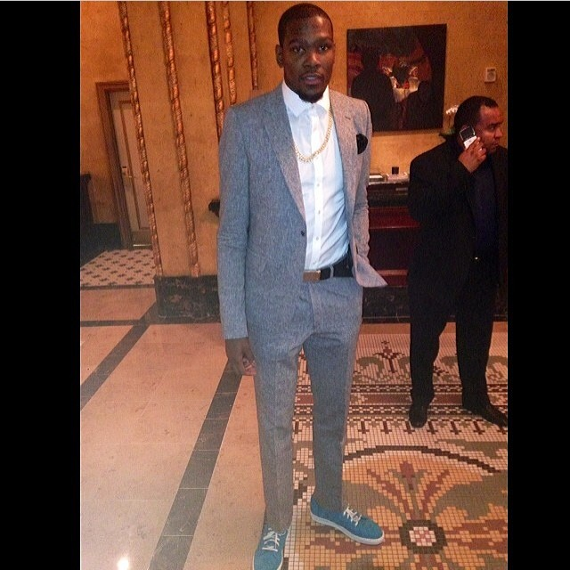 Kevin-Durant-Instagram-fashion-air-tie-look