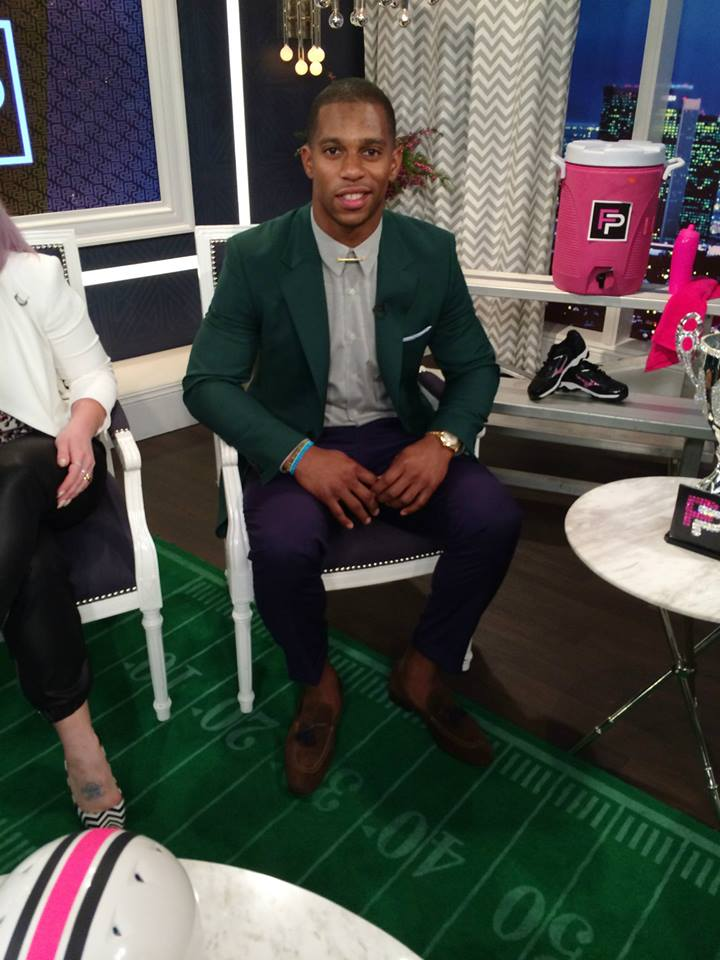 Victor-cruz-e-fashion-police-prada-jacket-brioni-pants