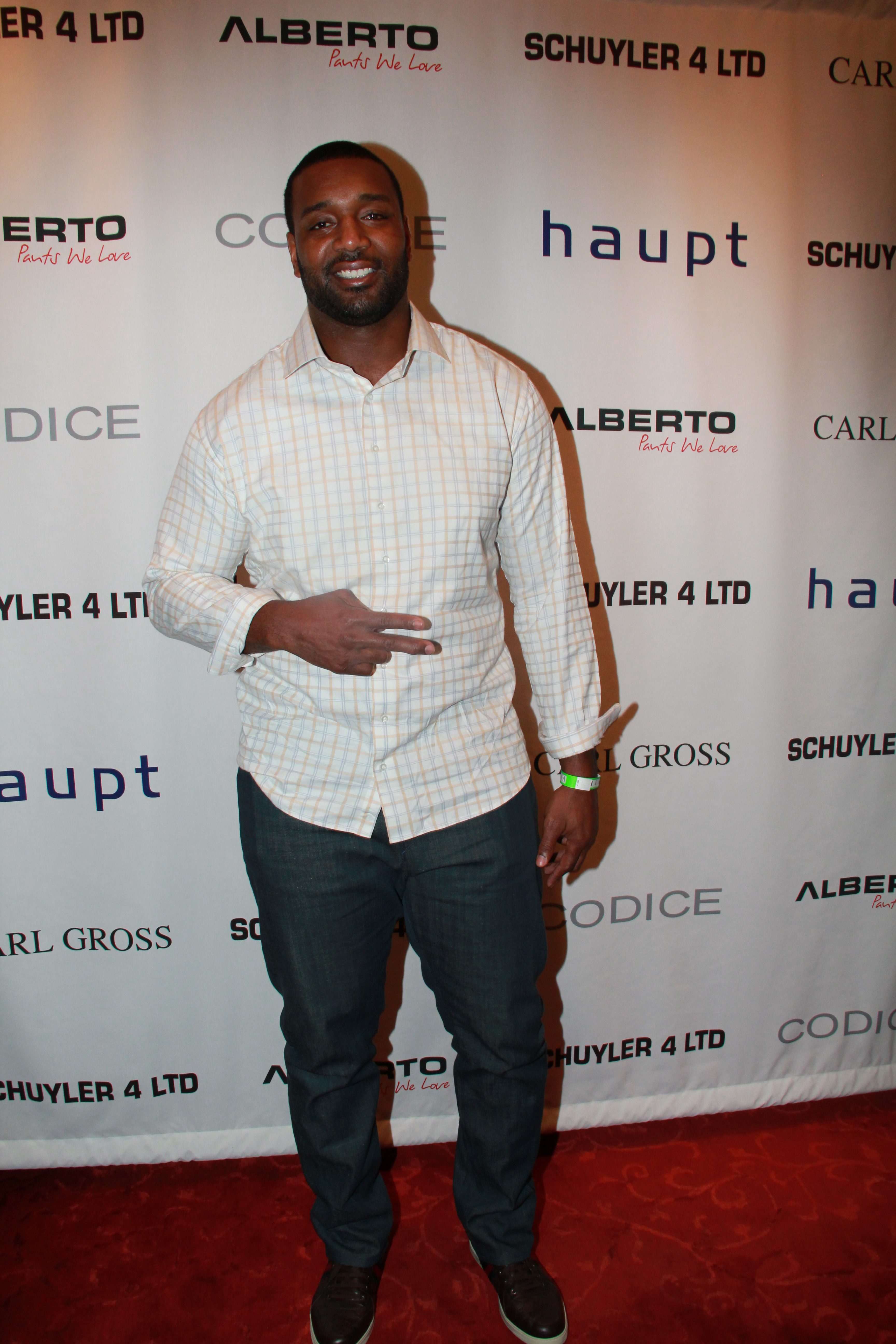 Chris-Canty-2014-NFL-Draft-Suite-6
