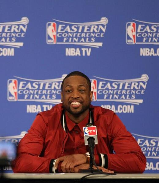 Dwyane-wade-2014-eastern-conference-finals-dolce-and-gabbana-red-bomber-jacket-2