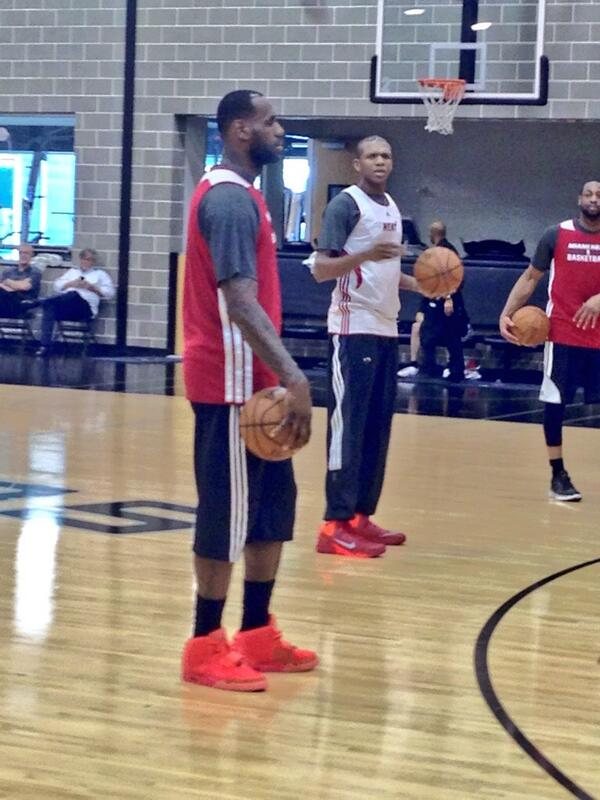 Lebron-James-practice-Air-yeeyz-2