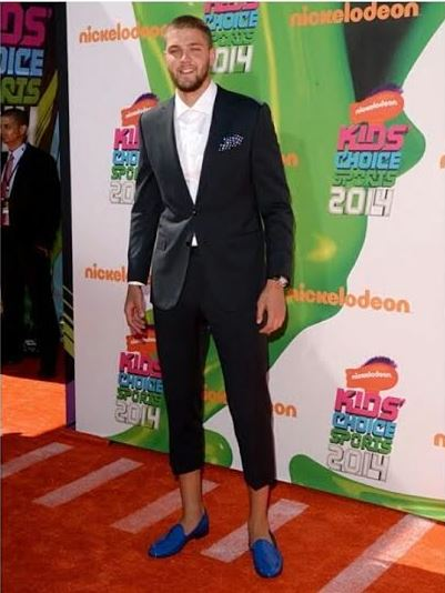 Chandler-Parsons-Nickelodeon-Kids-Choice-sports-pants-above-ankles