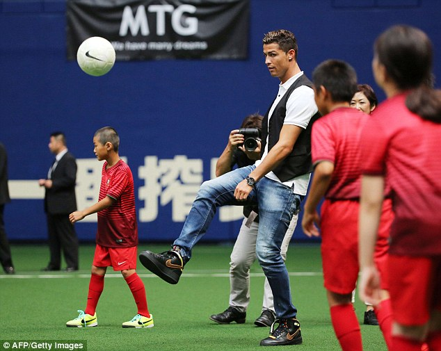 Cristiano-ronald-visited-japan-riccardo-tisci-nike-air-force-1-sneakers