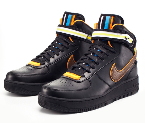 riccardo-tisci-nike-air-force-1-black-collection