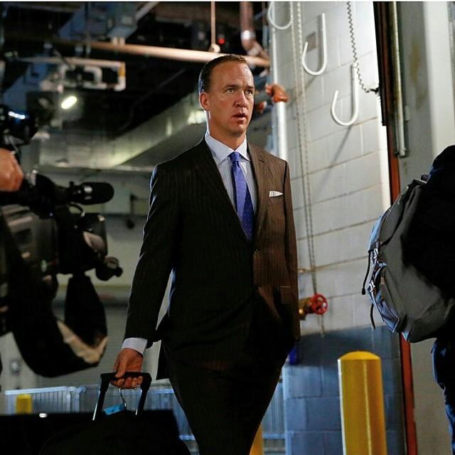 Peyton-Manning-suit-nfl-fashion-style
