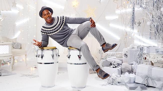 victor-cruz-chrissy-teigan-gap-factory-holiday-2014-campaign
