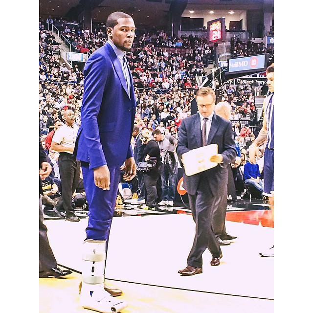 Kevin-Durant-walking-boot-injury-style-2