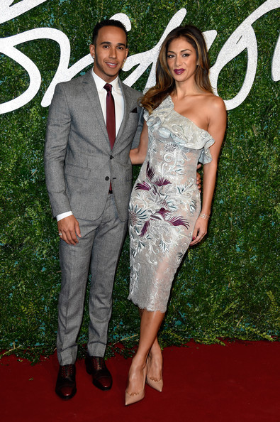 British-Fashion-Awards-Red-Carpet-Arrivals-lewis-hamilton