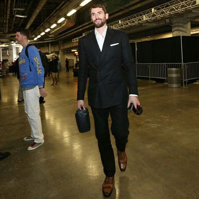 Kevin-Love-suit-nba-christmas-day-style