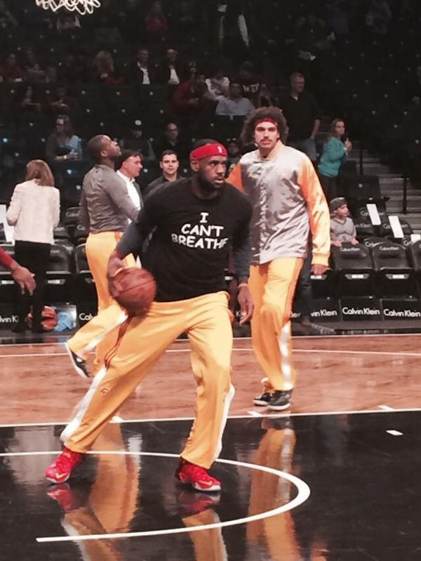Cavs Lebron James, Kyrie Irving, & Brooklyn Nets Wear 'I Can't Breathe' Shirts At Barclays Center