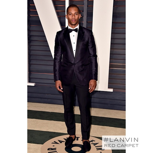 STYLE: NFL Victor Cruz Wears Lanvin Tuxedo For Vanity Fair's Oscar 2015 party