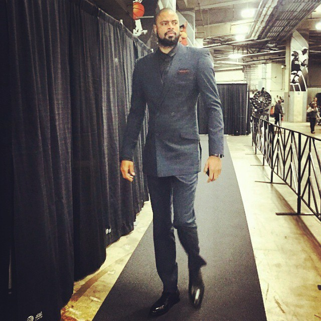 Tyson-Chandler-2014-nba-season-opener-double-breasted-suit