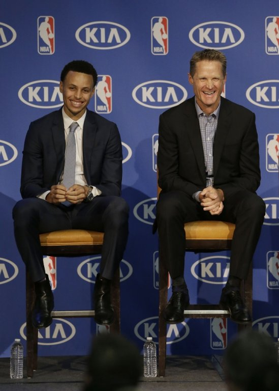 Steph-Curry-NBA-MVP-2015-1