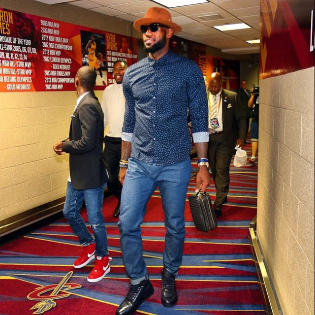 5d0746c0 2015 NBA Finals STYLE: Lebron James, Andre Iguodala, Steph Curry & More