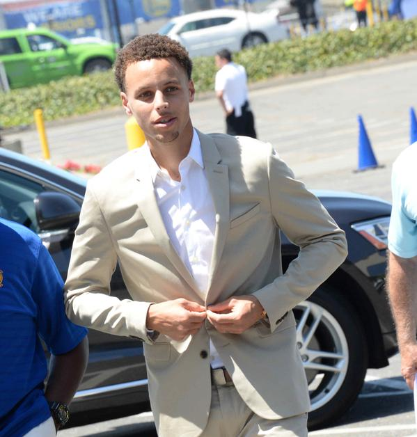 VIDEO: Stephen Curry appears in Under Armour X Foot Locker spot, shows what it takes to win