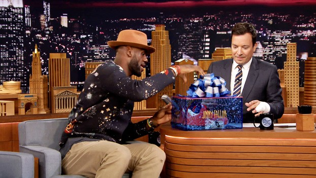 LeBron-James-Jimmy-Fallon-1-valentino-sweater