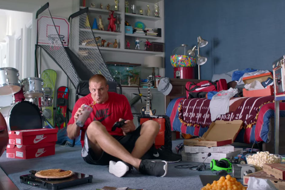 Rob Gronkowski Stars In Kids Foot Locker Campaign, Supports Back-To-School Shopping