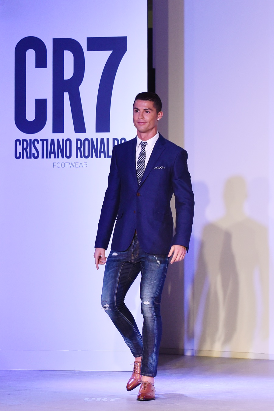 Cristiano-Ronaldo-CR7-Footwear-Fall-Winter-2015-Runway-Show-Pictures-008