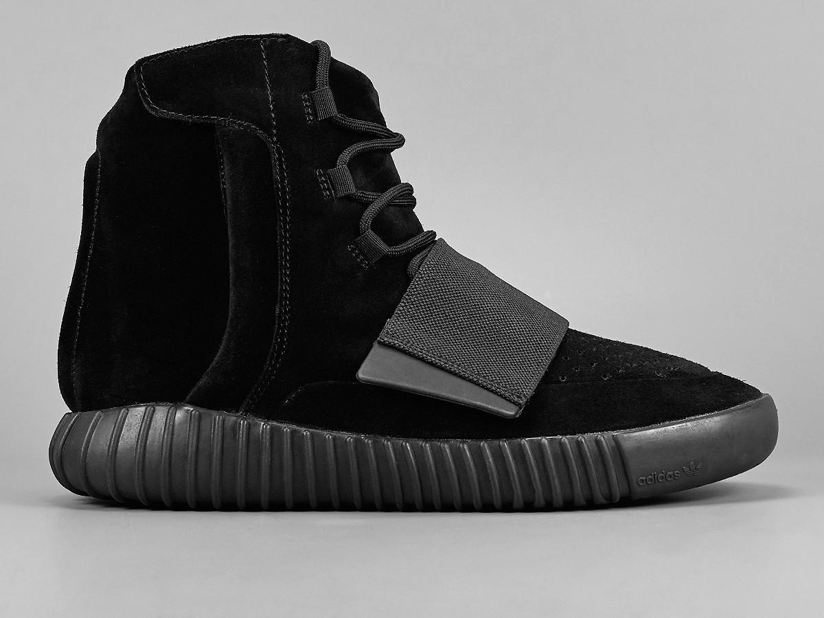 adidas-yeezy-750-boost-blackout-4