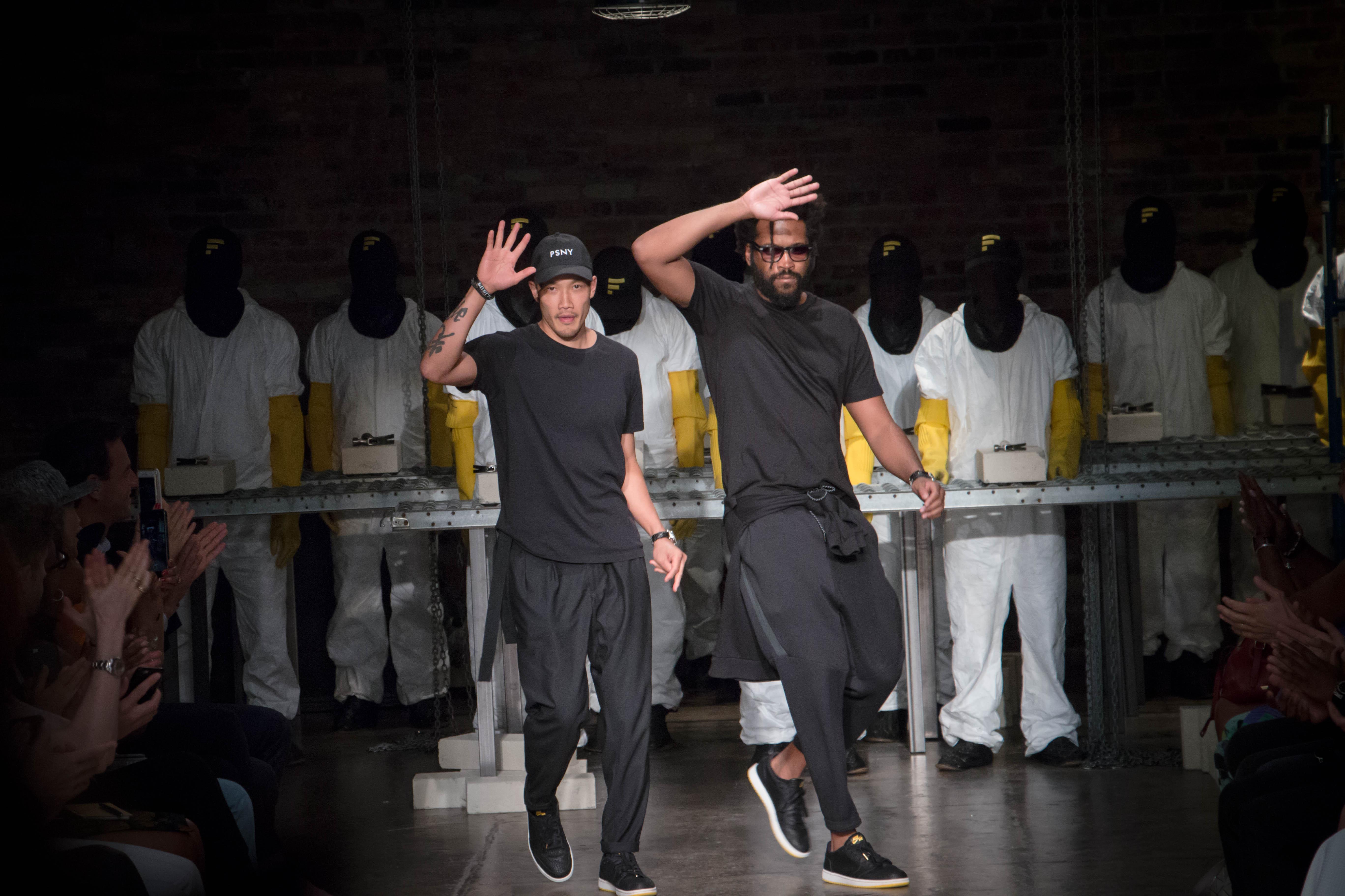 Dwyane-Wade-Victor-Cruz-Victor-Oladipo-Public-School-Spring-17-fashion-show-12