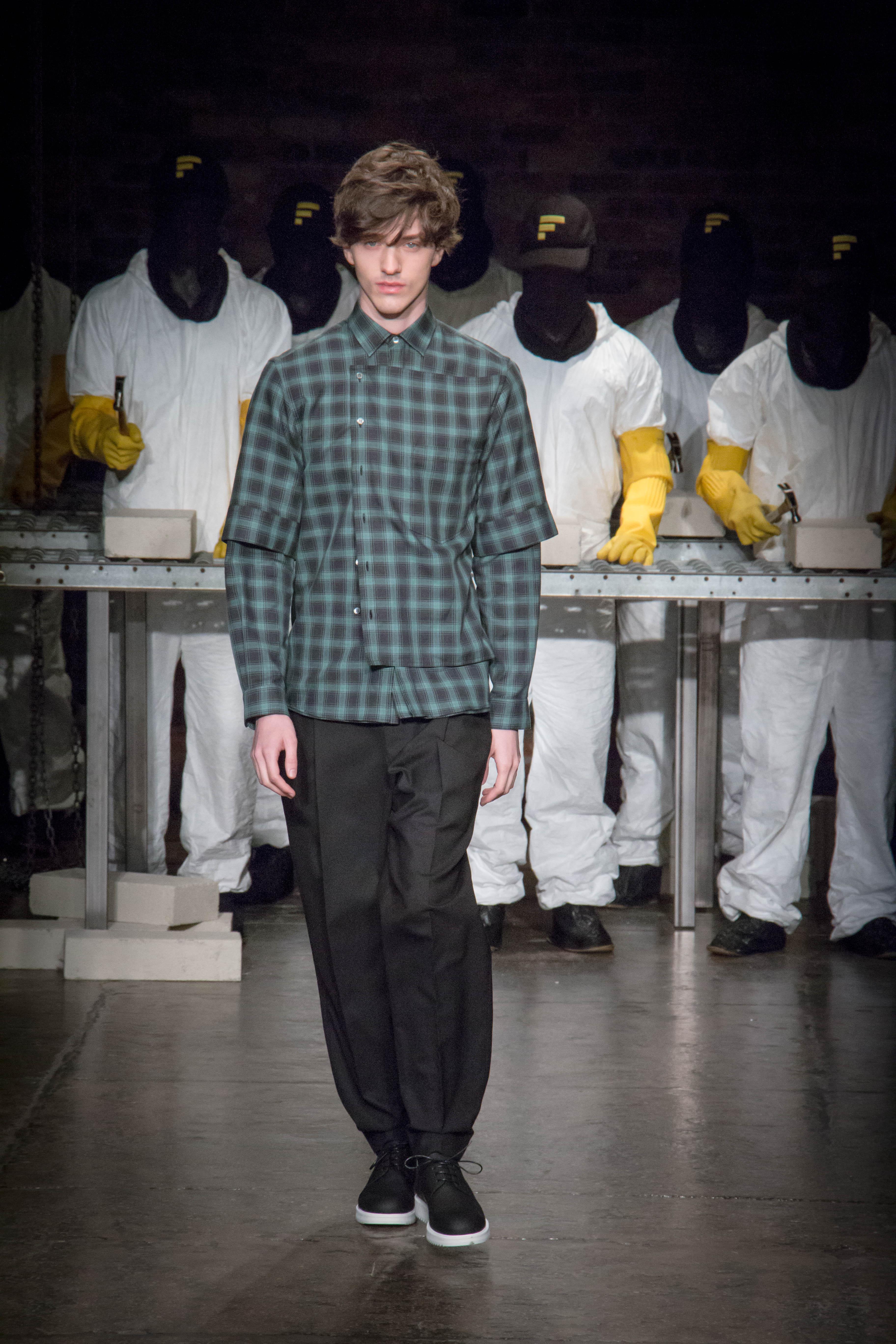 Dwyane-Wade-Victor-Cruz-Victor-Oladipo-Public-School-Spring-17-fashion-show-13