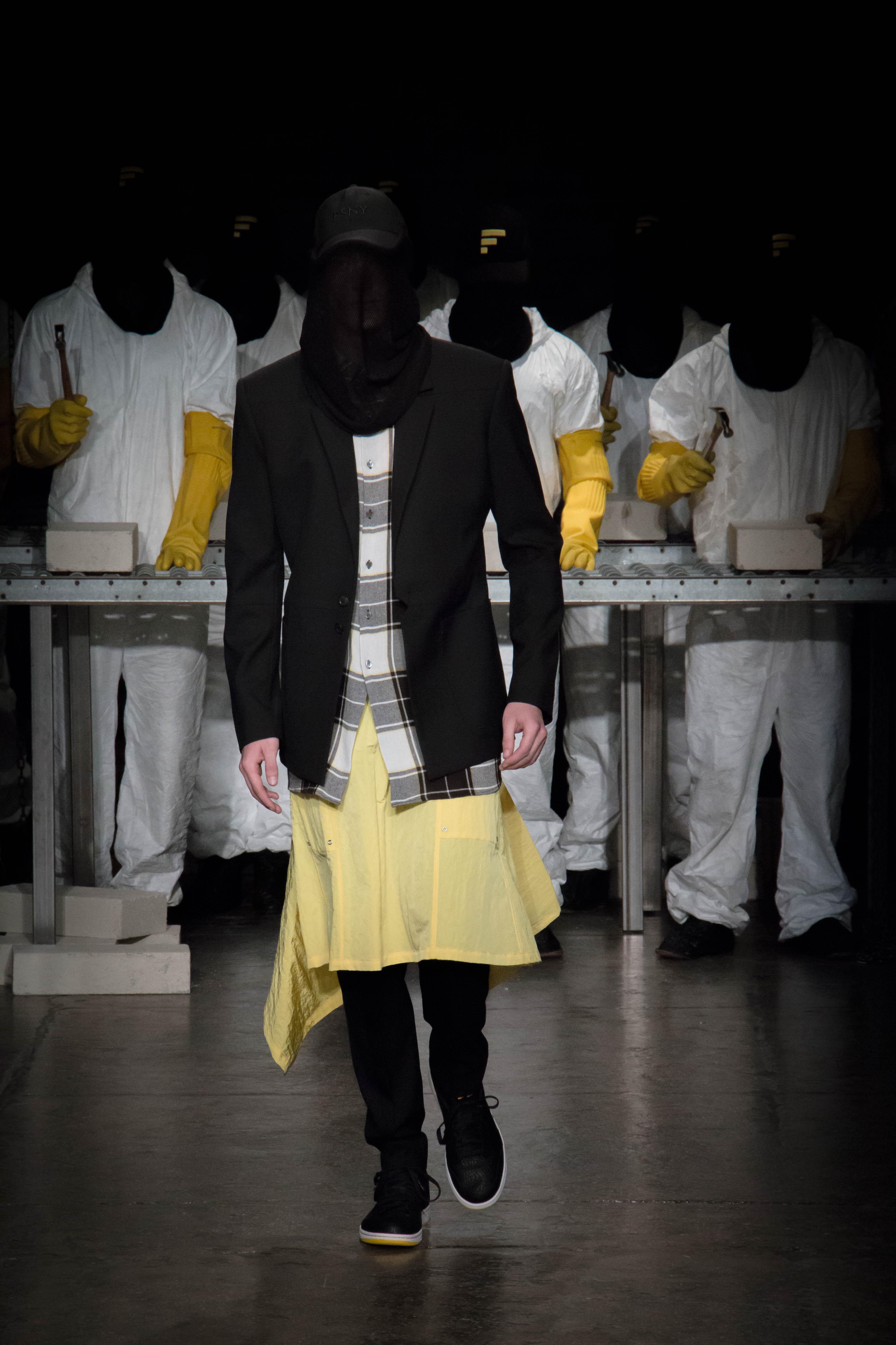 Dwyane-Wade-Victor-Cruz-Victor-Oladipo-Public-School-Spring-17-fashion-show-7