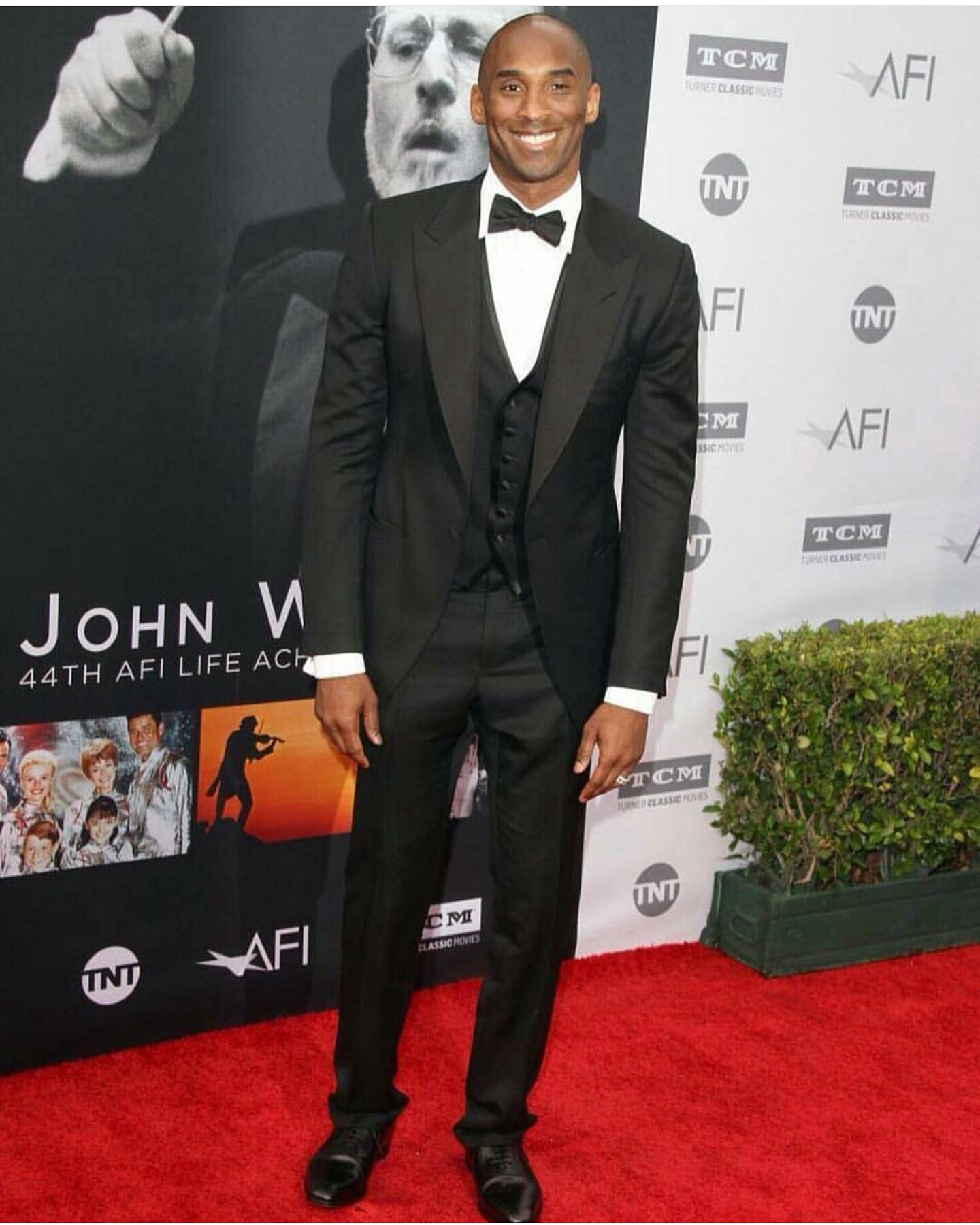 STYLE: Kobe Bryant Wears Tuxedo For Red Carpet Event