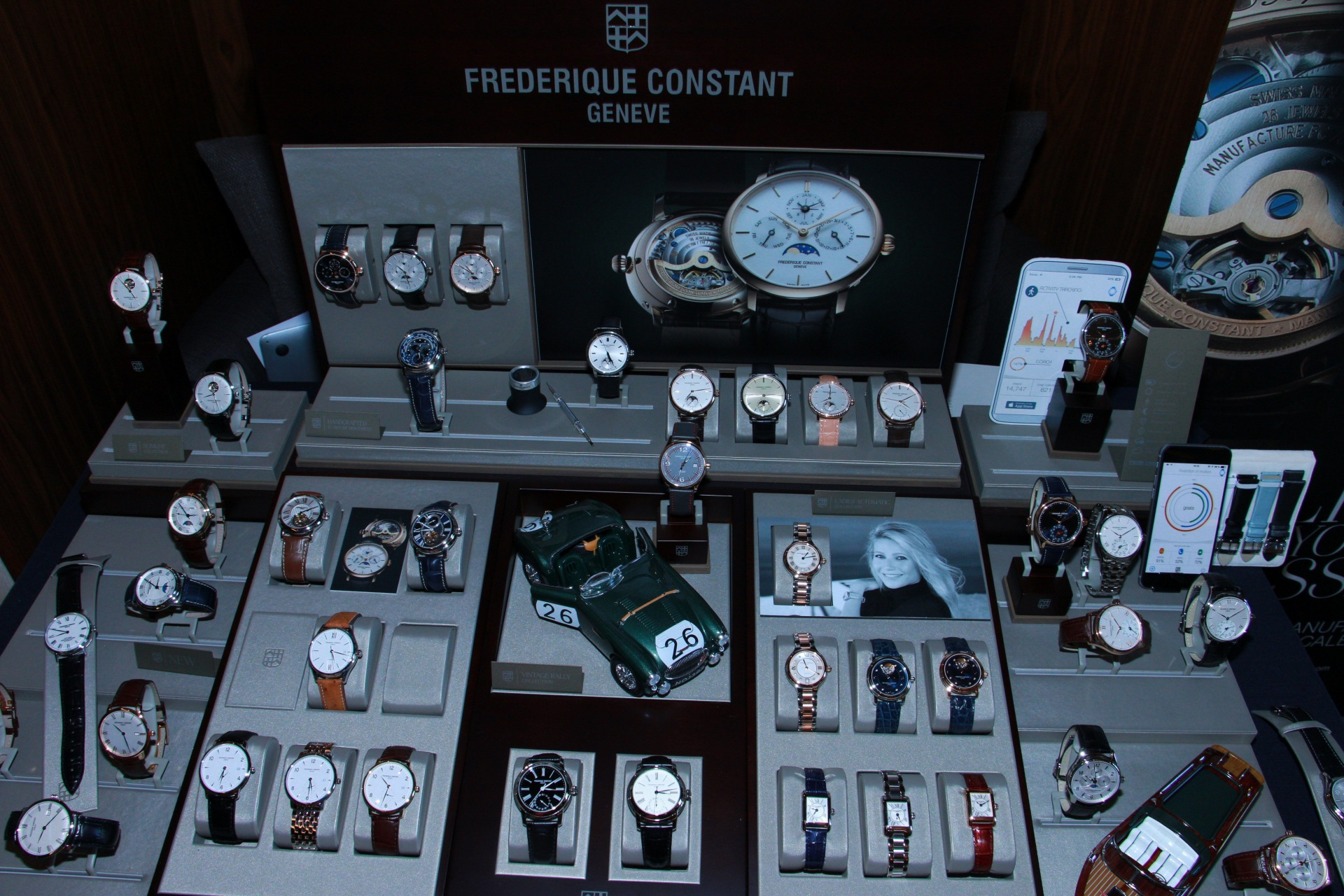 Frederique-constant-runabout-2
