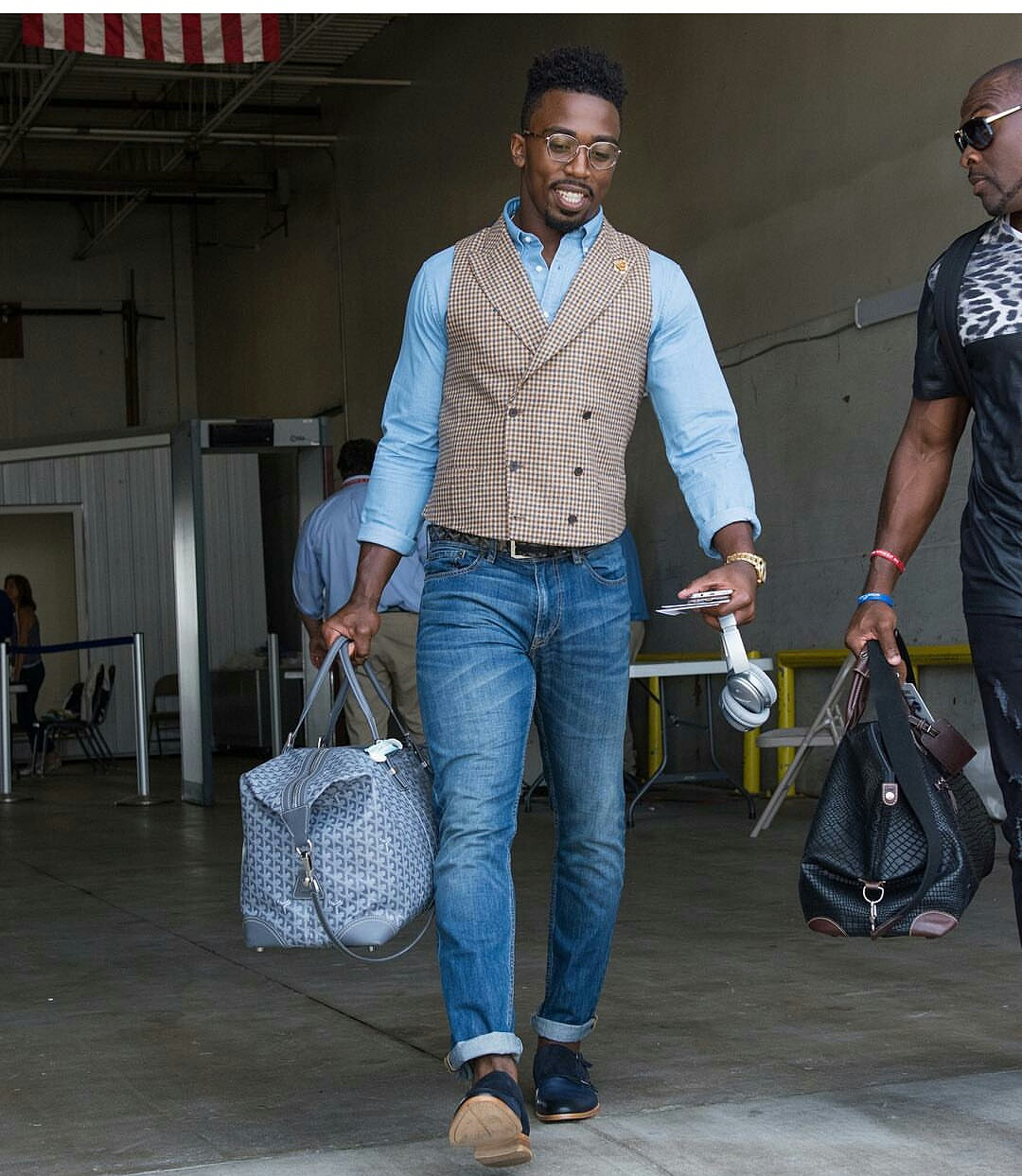"STYLE: NFL Tyrod Taylor Wants The 2016 ""NFL Best-Dressed"" Spot"
