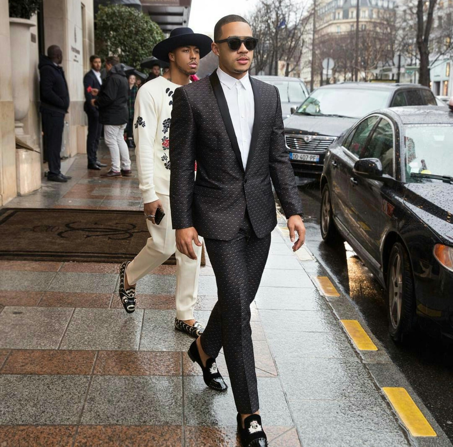 Memphis Depay's Paris Fashion Week Dolce & Gabbana Suit