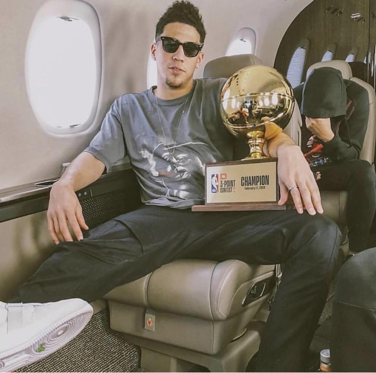 """Devin Booker's NBA All-Star Weekend '18 Saint Luis """"Biggie"""" T-Shirt & Garrett Leight Sunglasses"""